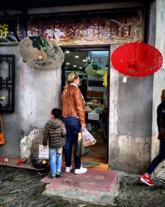 Shopping in Tongli